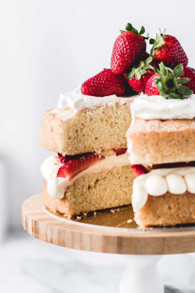 This is one of those traditional bakes that everyone's going to love. Soft and fluffy vanilla cake layers filled with light and airy diplomat cream and fresh strawberries. Delicious!⎪www.anasbakingchronicles.com