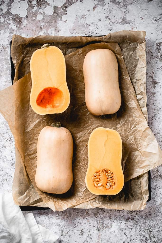 Homemade pumpkin puree is one of the easiest things to make. You can use it both in sweet and savoury dishes and I'm going to show you how to make it!
